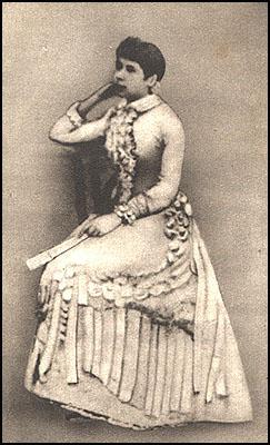 Daguerrotipo de Rosalía de Castro con 18 anos