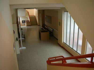 Interior corredores edificio principal