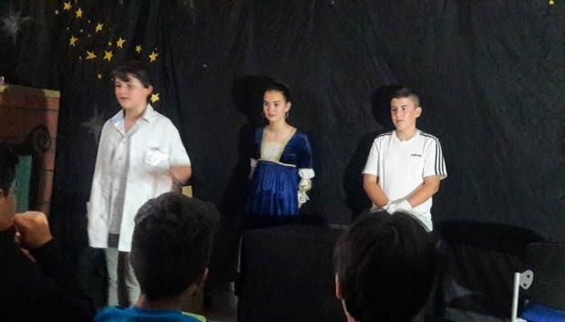 Rematamos o curso con teatro!!