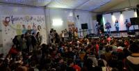 O photocall feminista do Leliadoura adorna a Feira da educación de Ribeira