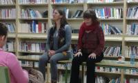 Contos tradicionais de todo o mundo contados en inglés e galego por Sophie Heydel e Charo Pita