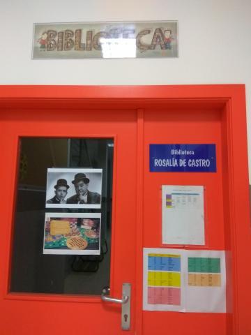 foto da entrada da biblioteca
