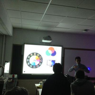 Alumnado na demostración Clickonphysics