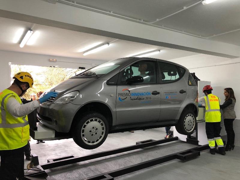 Presentación vehículo simulador de accidentes IES Leixa