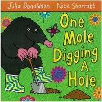 Portada de One Mole Digging A Hole