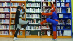 Spiderman e Batman na Biblioteca do IES Perdouro de Burela