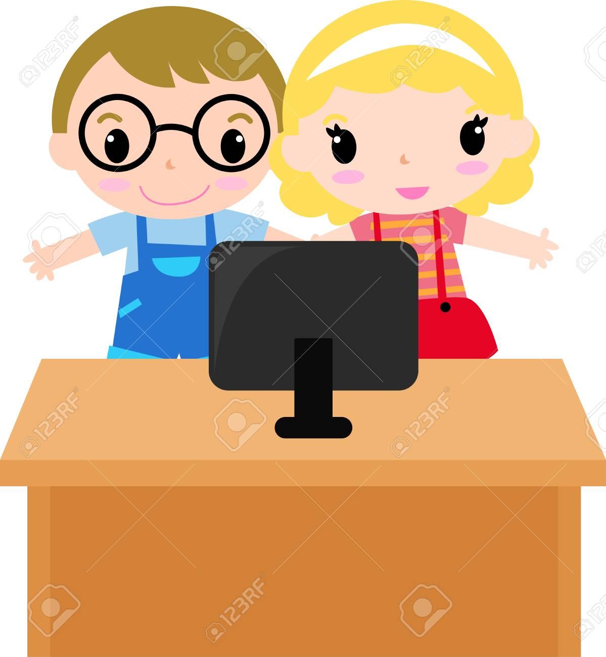 niños delante de un ordenador